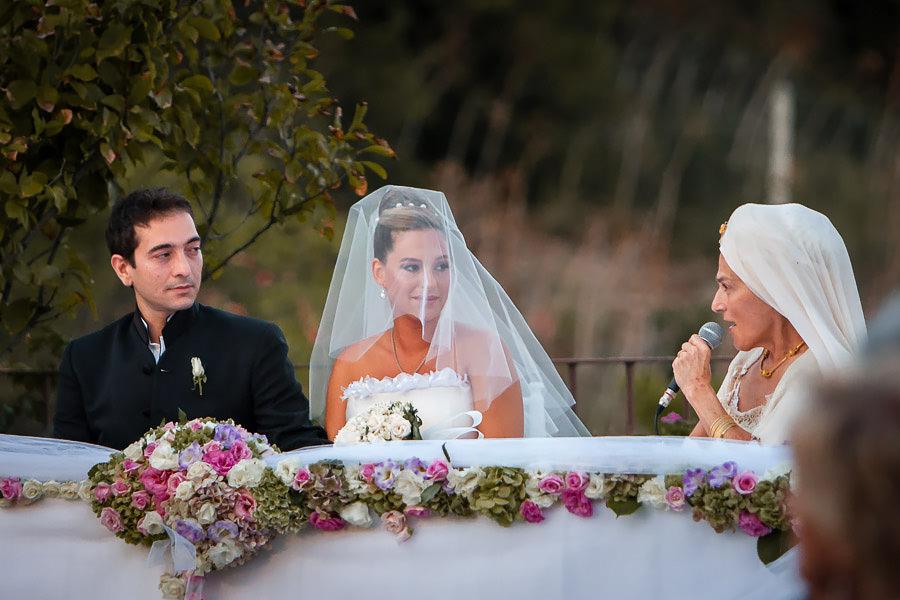 ünlü yoga ustası Gurmukh sembolik nikah kıyıyor