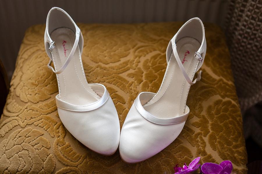 fine art düğün ayakkabısı fotoğrafı
