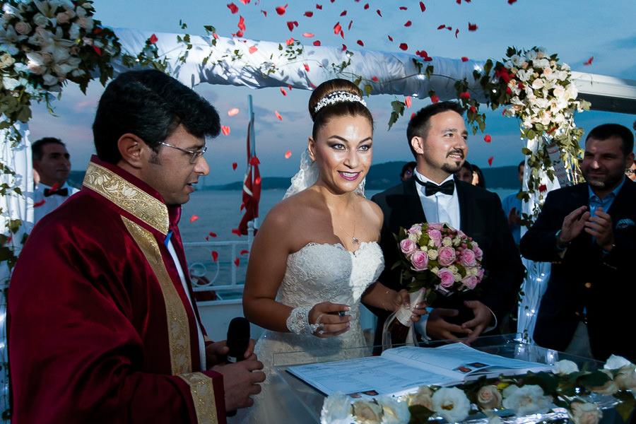 Boğazda tekne düğünü nikah