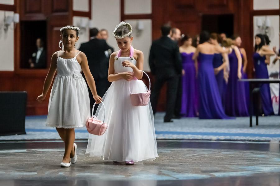 Faruk Ilgaz tesisleri çiçek kızlar
