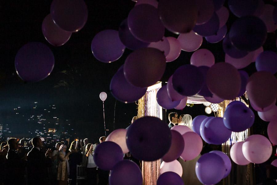 Faruk Ilgaz nikah töreninde balonlar gökyüzüne bırakılıyor
