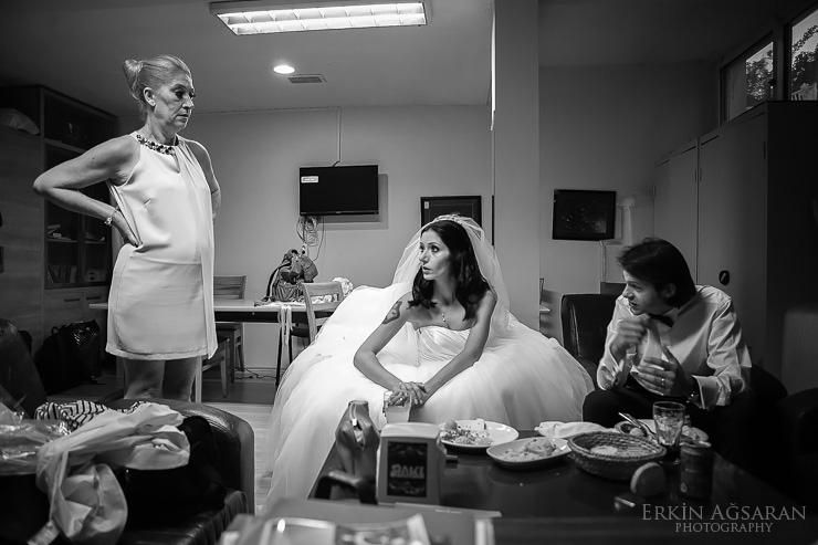 Düğün öncesi gelin odasında son planlamalar