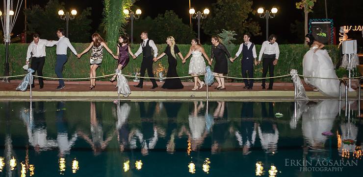 Balıkadamlar Klübü Düğününde Düğünde Havuz başında halay