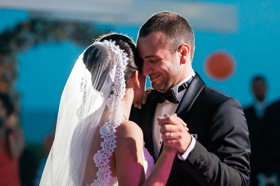 Moda Deniz Kulubu wedding first dance