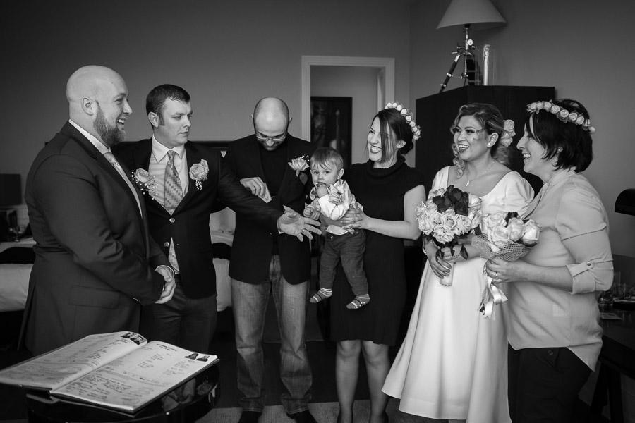 sade nikah: otel odasında nikah töreni