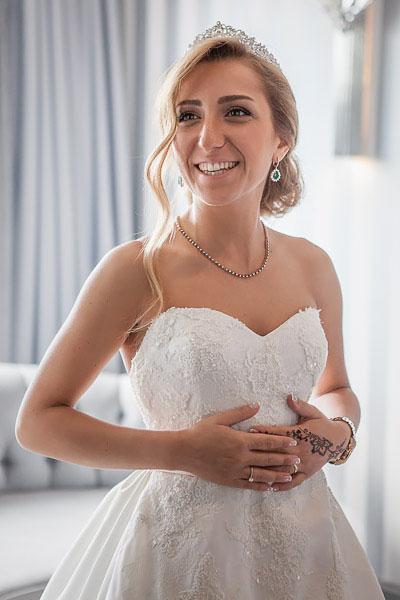 Bride in her room at Wyndham Grand Kalamis