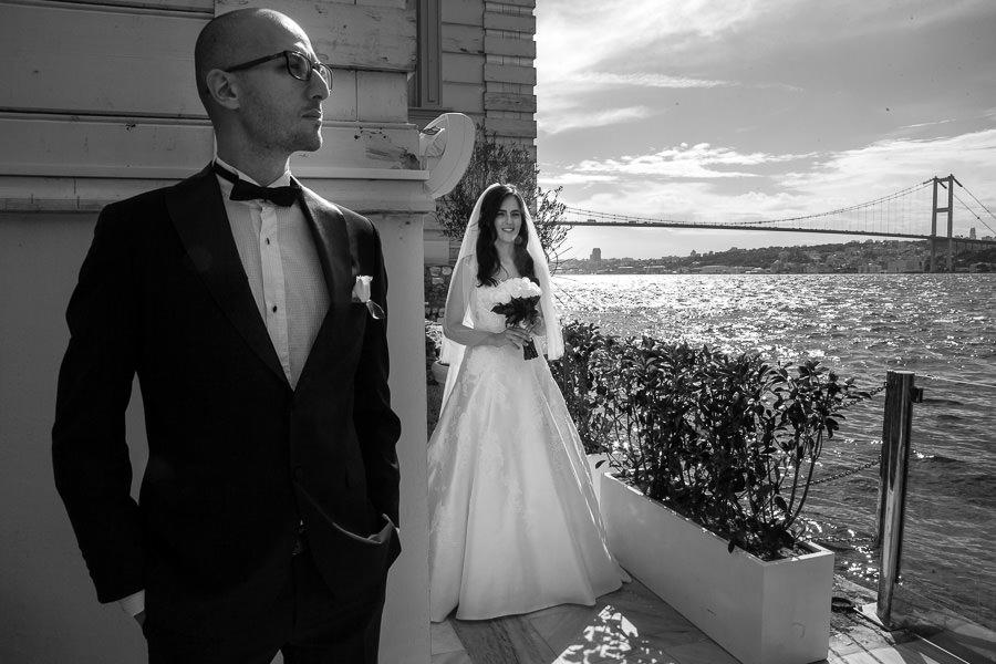 bosphorus palace wedding with bosphorus bride on background