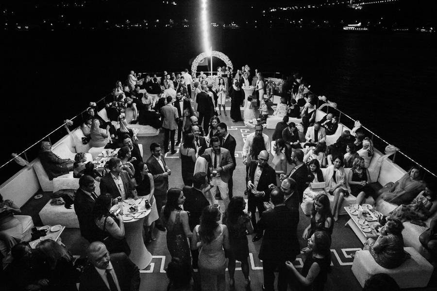 istanbul wedding on a boat on bosphorus